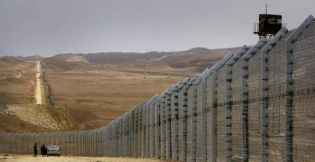 https://galanoleykoblog.files.wordpress.com/2016/10/71d78-206673-a-border-fence-is-constructed-along-israels-border-with-egypt-near-the-red-sea-resort-town-of-eilat-february-15-2012-afp.jpg?w=569&h=294