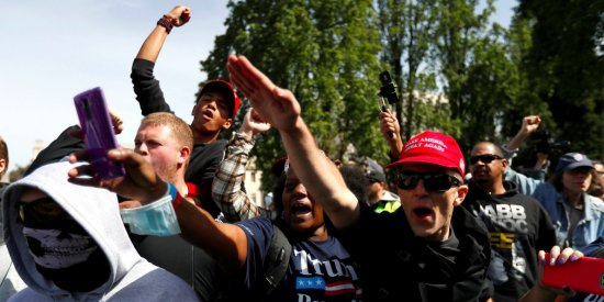 https://galanoleykoblog.files.wordpress.com/2017/04/3c0b6-at-least-13-people-arrested-after-pro-trump-and-anti-trump-protesters-clashed-in-berkeley-california.jpg?w=550&h=275